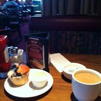 Photo taken at Mimi's Cafe by Leonardo T. on 4/8/2013