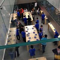 Photo taken at Apple Store by Nnkoji on 4/20/2013