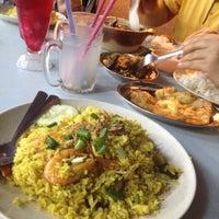 Photo taken at Restoran Anjung Ara by Akim Z. on 5/28/2014