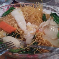 Photo taken at Sunway Restaurant 利苑食坊 by Jha-Jha Kennybabes C. on 3/30/2013