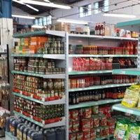 Photo taken at Mercantil Santa Paula by Djalma N. on 1/4/2014