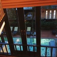 Photo taken at Motive Cottage Resort by Pawit D. on 8/12/2015