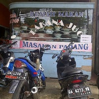 Photo taken at RM Takana Juo (Masakan Padang) by Try K. on 3/28/2013