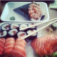 Photo taken at Fugu Temakeria by Thamires W. on 8/27/2013
