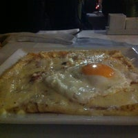 Photo taken at SUGAR & SPICE Restaurant Crepêrie Bar by Jose M. on 3/30/2013