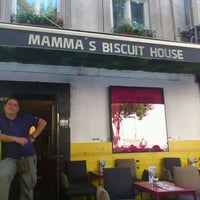 Photo taken at Mamma's Biscuit House by Milica N. on 5/30/2012