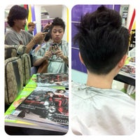 Photo taken at Chic Club Hair Studio by Ice on 9/30/2012