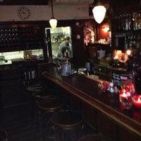Photo taken at Stoop en Stoop Eetcafe by Martijn on 10/13/2012