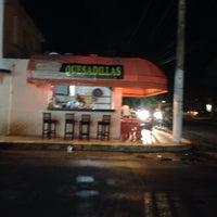 Photo taken at Las Quekas by Ricis 🐼 on 12/17/2015