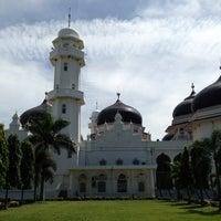 Photo taken at Masjid Raya Baiturrahman by Nur K. on 7/21/2013