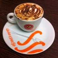 Photo taken at Grão Espresso by Miralva S. on 4/15/2014