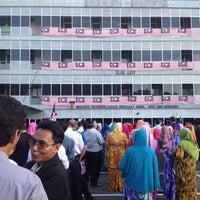 Photo taken at Jabatan Pelajaran Negeri Perlis by Badrulhafiz S. on 8/20/2013