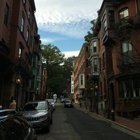 Photo taken at Beacon Hill by Erlie P. on 9/10/2016