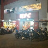 Photo taken at KFC / KFC Coffee by Steven H. on 10/16/2015
