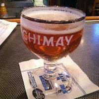 Photo taken at The Lodge Beer and Growler Bar by BlondeBites on 11/23/2012
