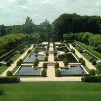 Photo taken at Oheka Castle Hotel & Estate by Leanne A. on 7/23/2013