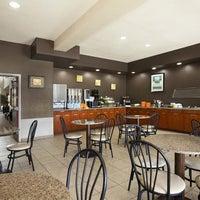 Photo taken at Best Western Plus Peppertree Inn At Omak by Best Western I. on 9/26/2016