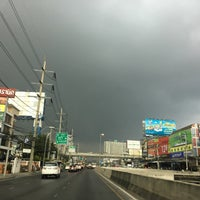 Photo taken at Si Udom Intersection by uglypink ✿. on 3/31/2016
