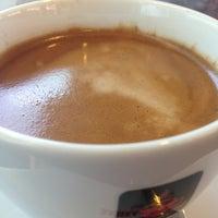 Photo taken at Rabika Coffee / ESSO หนองแขม by Kaew_SKB🐵รักในหลวง on 9/10/2013
