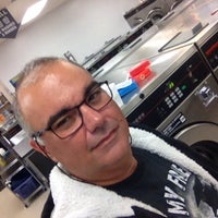 Photo taken at Laundry Palace by Alexandre D. on 10/24/2015