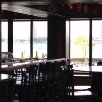 Photo taken at Vinomondo Wine Bar & Brew Pub by Beer J. on 8/2/2015