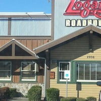 Photo taken at Logan's Roadhouse by Vic M. on 1/6/2013