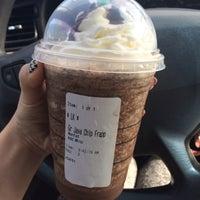 Photo taken at Starbucks by 🔮Lukkaew L. on 9/24/2015