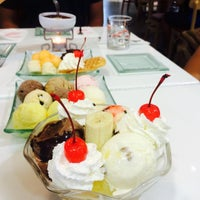 Photo taken at Swensen's by Bank A. on 3/27/2016