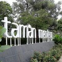 Photo taken at Taman Menteng by Hendra Cahya P. on 5/14/2013