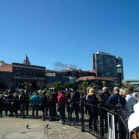 Photo taken at Ghirardelli On-The-Go by TrMr 0. on 3/28/2016
