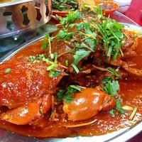 Photo taken at Siu Siu Restaurant (小小飯店) by Sung K. on 1/8/2015
