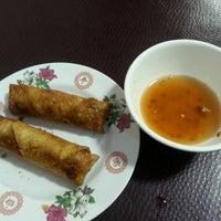 Photo taken at Hien Vuong Restaurant by Matt W. on 10/14/2013