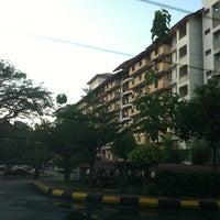 Photo taken at Kolej Kediaman Raja Dr Nazrin Shah (KK12) by ndy b. on 5/25/2013