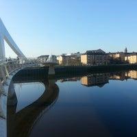 Photo taken at Tradeston-Broomielaw Bridge (Squiggly) by Tahir M. on 3/12/2014