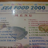 Photo taken at Sea Food 2000 by Lukman T. on 12/24/2012