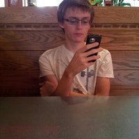 Photo taken at Pizza Hut by Mimi W. on 6/14/2013