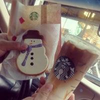 Photo taken at Starbucks by Omy Boricua on 12/29/2012