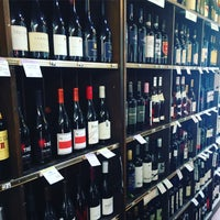 Photo taken at Hennessy's Wines & Specialty Foods by Sam S. on 4/5/2016