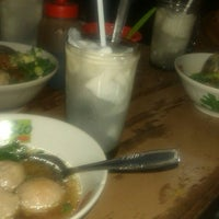 Photo taken at Bakso Sido Mandiri by Aditya P. on 10/28/2013