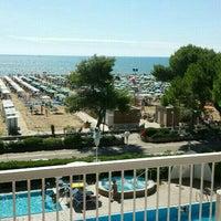 Foto scattata a Hotel Atlantic da XIM L. il 8/20/2015