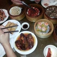 Photo taken at De Fu Seafood Restaurant 德福點心皇 by Sandy N. on 6/14/2013