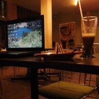 Photo taken at Renjo Cafe & Distro by fajar a. on 11/18/2013