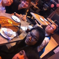 Photo taken at Pizza Hut by Yumiko C. on 7/21/2016
