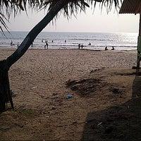 Photo taken at Pantai Sambolo by Aiko L. on 8/16/2014