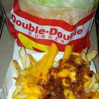 Photo taken at In-N-Out Burger by Jake P. on 11/4/2014