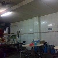 Photo taken at Mie Pasar Baru Jakarta by martin s. on 11/25/2012