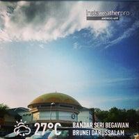 Photo taken at Sekolah Yayasan Sultan Haji Hassanal Bolkiah by Kamarul A. on 3/22/2013