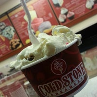 Photo taken at Cold Stone Creamery by Odelis M. on 12/29/2013