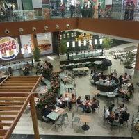 Foto tirada no(a) Passeio das Águas Shopping por Ale em 11/4/2013