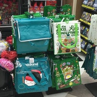 Photo taken at Foodland by Malia H. on 2/14/2016